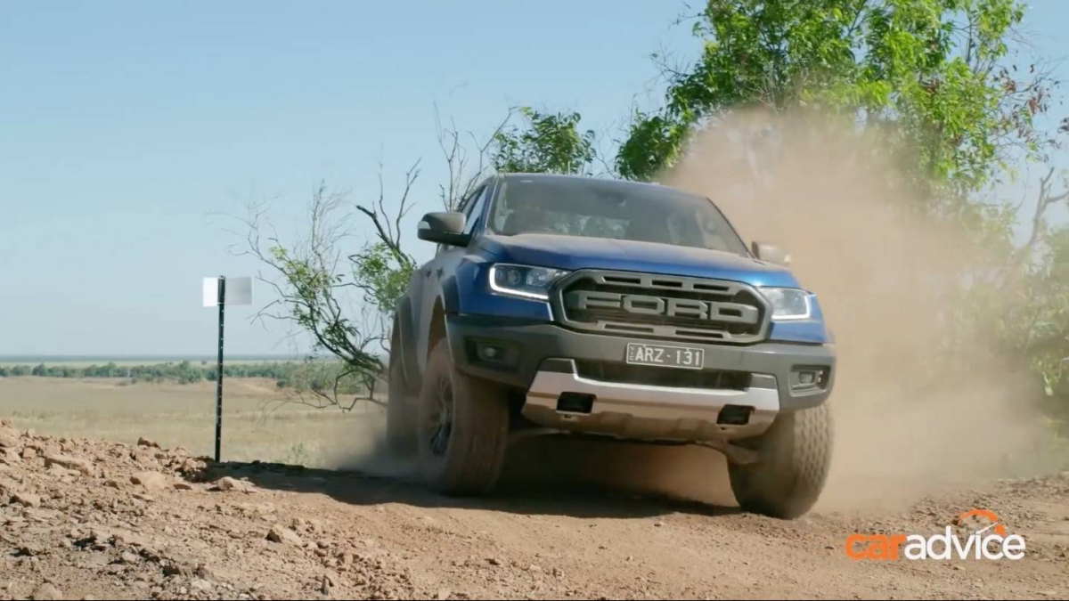 first 2019 ford ranger raptor review is full of praise. Black Bedroom Furniture Sets. Home Design Ideas