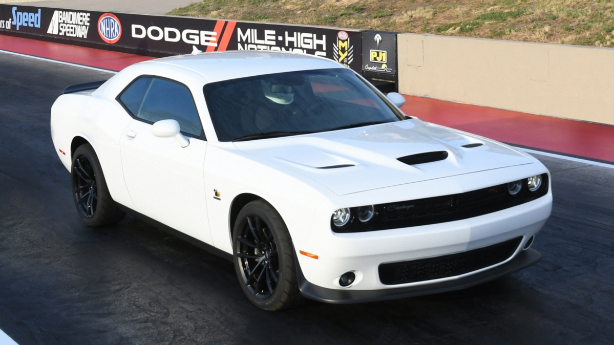 2019 challenger r:t scat pack 1320 front