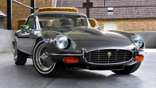1974-Jaguar-E-type-Series-3-V12-6.1-restomod-0