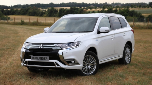 2019-Mitsubishi-Outlander-PHEV-UK-0