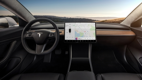 Tesla-Model-3-Interior-Dash-Head-On