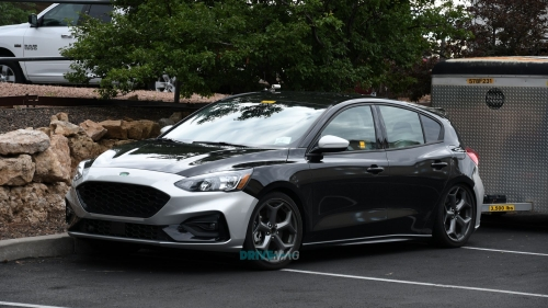 2019 Ford Focus ST spied 07_cr