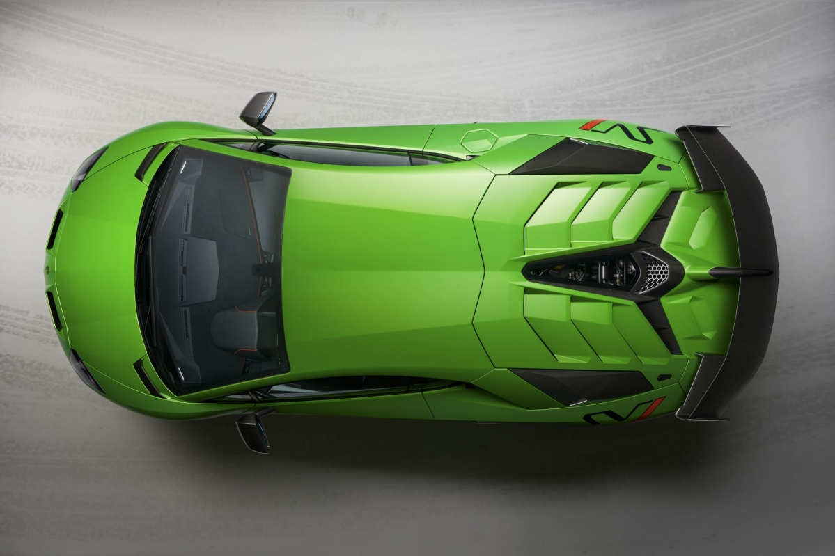 lamborghini centenario with Lamborghini Reveals 770 Hp Aventador Svj And It S A 517 770 Green Gem on Centenario 112 moreover Lamborghini Centenario 1e Rij Indruk further Ron Rxx Otro Auto Deportivo Muy Mexicano together with Index together with Watch.
