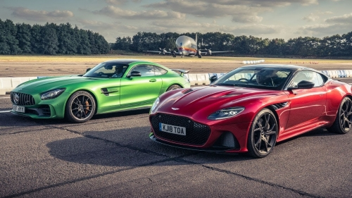 aston martin dbs superleggera vs amg gt r