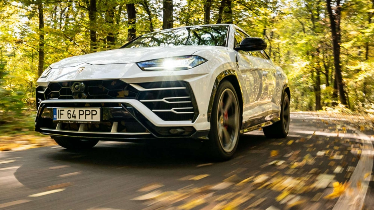 Lamborghini Urus Test Drive