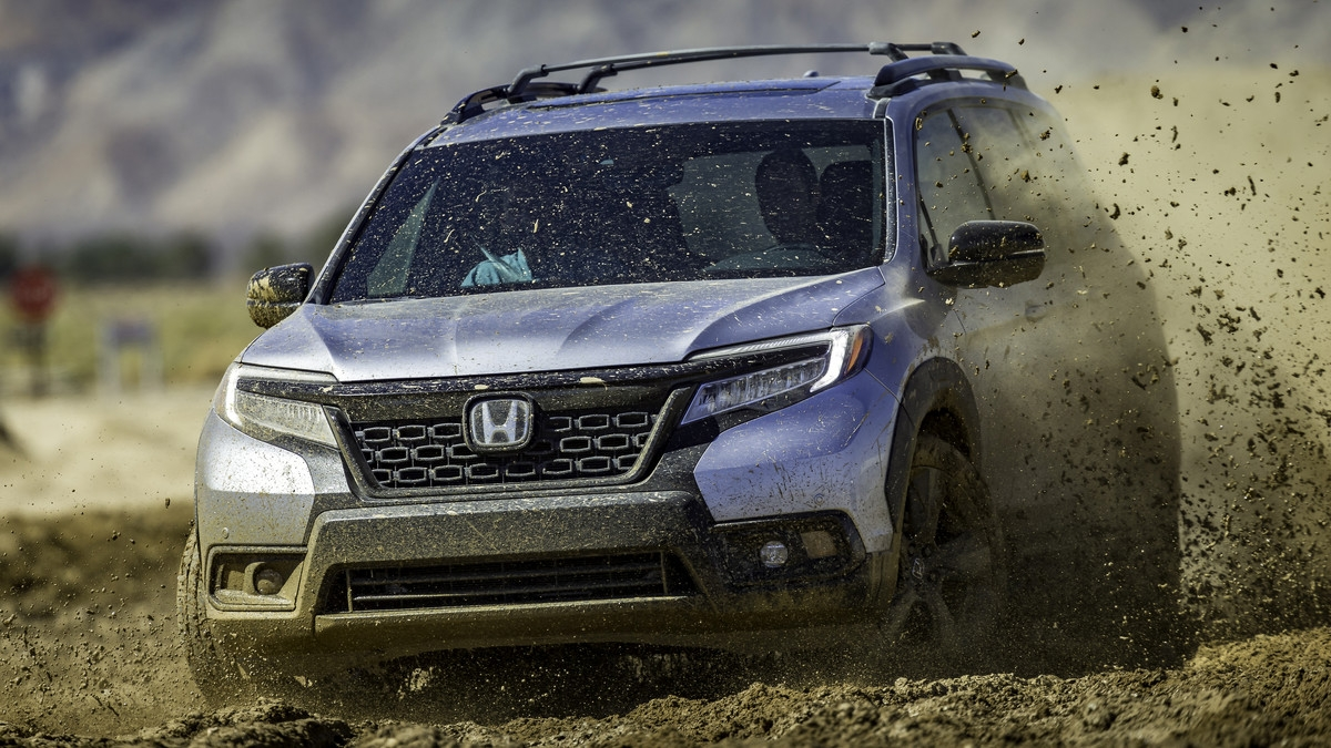 2019 Honda Passport debuts in Los Angeles with off-roading ...