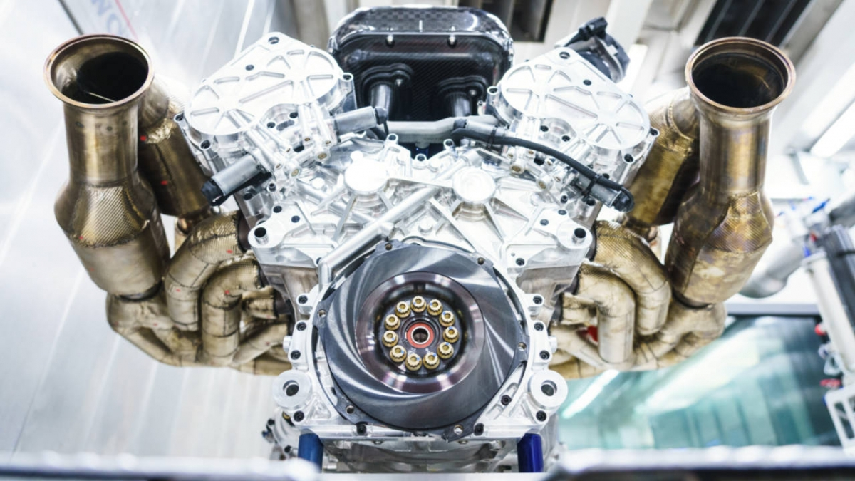 aston-martin-valkyrie-engine