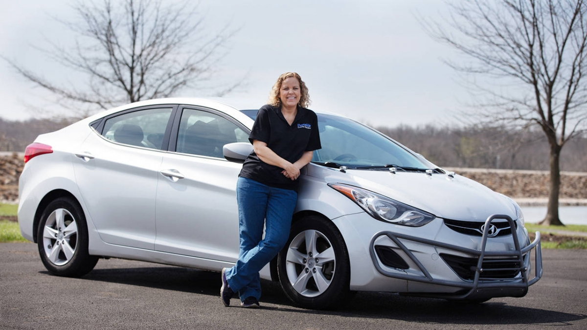 Woman Drives 1 Million Miles In Her Hyundai Elantra Over